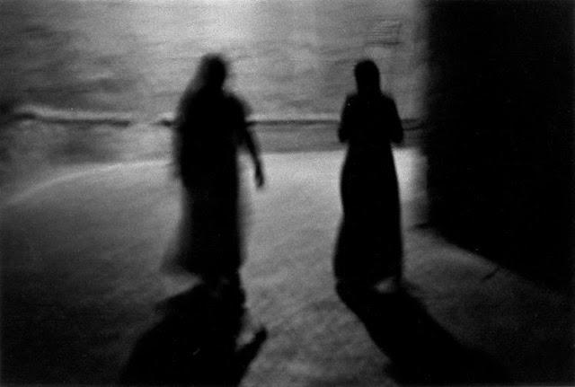 Miradas 11: Mirar fotografías. Bernard Plossu