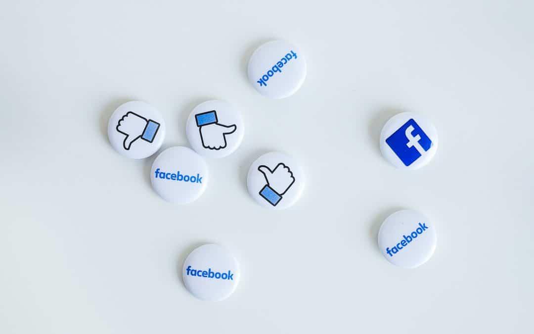 Facebook: aunque la mona se vista de seda…